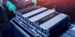 VinFast cùng đối tác từ Trung Quốc hợp tác sản xuất pin LFP cho xe điện - Ảnh 2