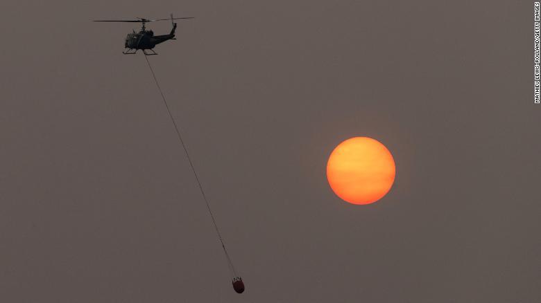 Ám ảnh những cảnh tượng về cháy rừng ở Mỹ trong tháng 8 vừa qua - Ảnh 6