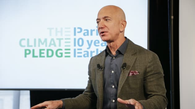 Ông chủ Amazon cam kết trao 1 tỉ USD cho chống biến đổi khí hậu năm nay - Ảnh 1