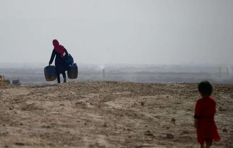 El Nino làm hàng triệu trẻ em gặp khó khăn để tiếp tục đến lớp - Ảnh 1