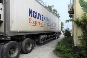 Xe tải chở hơn 10 tấn nội tạng thối từ TP.HCM ra Bắc tiêu thụ