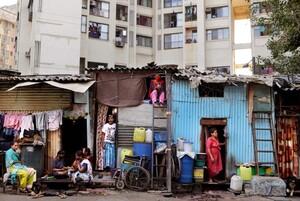 Quả 'bom hẹn giờ' bùng phát Covid-19 từ những khu ổ chuột của Ấn Độ