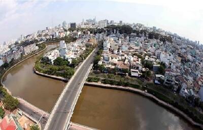 Phát triển đô thị TP.HCM: Vẫn khó di dời nhà ven kênh rạch