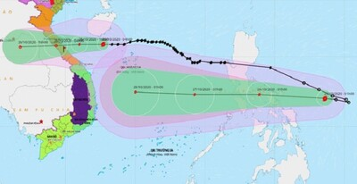 Bão số 8 áp sát đất liền Hà Tĩnh - Quảng Trị, bão số 9 tiến vào Biển Đông