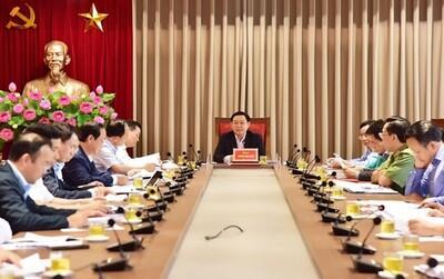 Bí thư Vương Đình Huệ yêu cầu xử lý dứt điểm vấn đề ở bãi rác Nam Sơn