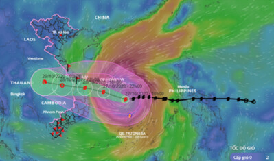 Bão số 9 tiếp tục di chuyển nhanh gây mưa rất to ở miền Trung
