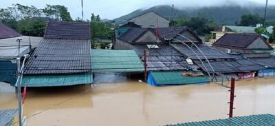 Khẩn cấp ứng phó với mưa lũ tại Nghệ An, Hà Tĩnh
