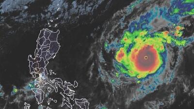 Goni mạnh lên thành 'siêu bão' trước khi vào Biển Đông
