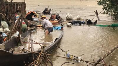 Miền Trung chịu nhiều thiệt hại do bão số 13 đổ bộ