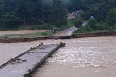 Khánh Hòa: Nhiều nơi chìm trong nước, người dân chạy lũ trong đêm