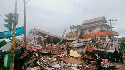 Động đất Indonesia: Hàng trăm người bị thương, nhiều tòa nhà bị hư hại