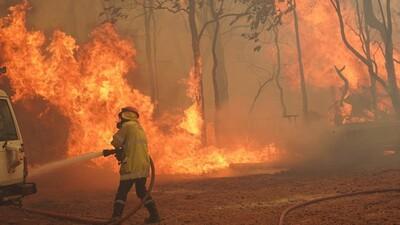 Cháy rừng lan rộng ở Australia, phá hủy nhiều nhà cửa