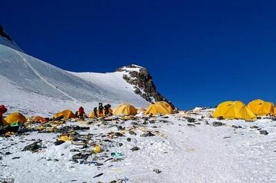 Biến rác thải trên đỉnh Everest thành tác phẩm nghệ thuật