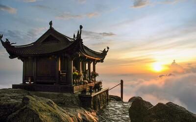 Ghé Quảng Ninh, chiêm bái các điểm đến tâm linh nổi tiếng