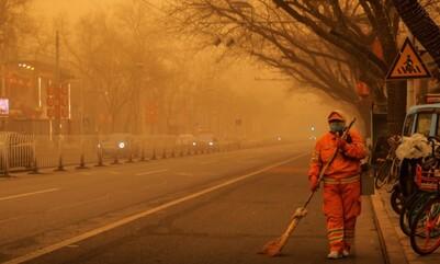 Bắc Kinh lại chìm trong bão cát nguy hiểm