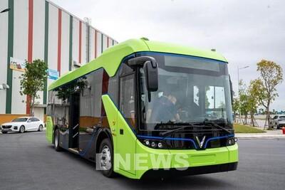 Thí điểm hoạt động xe buýt điện tại TP.HCM