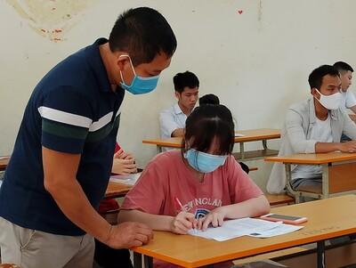 Hơn 93.000 học sinh Hà Nội bắt đầu cuộc cạnh tranh vào lớp 10