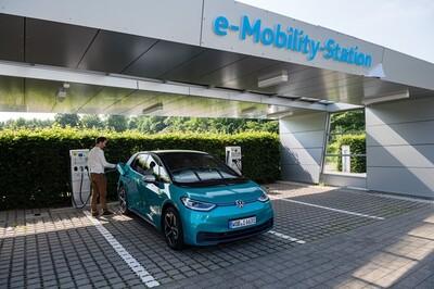 Châu Âu xây dựng các siêu nhà máy sản xuất pin cho ô tô điện