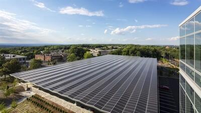 Nhiều 'ông lớn' công nghệ đặt mục tiêu sử dụng 100% năng lượng tái tạo