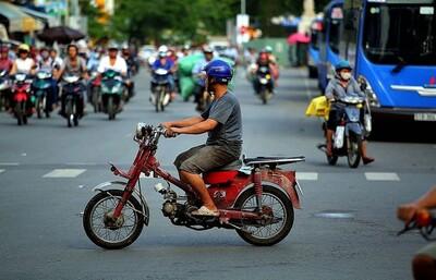 Hà Nội: Đo kiểm khí thải xe mô tô, xe gắn máy cũ gây ô nhiễm