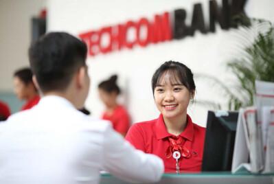 Tiềm ẩn rủi ro bên trong bức tranh kinh doanh hoàn hảo của Techcombank