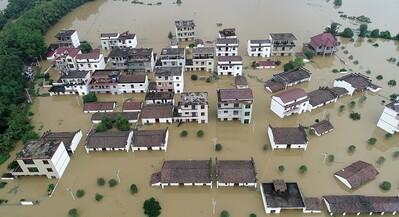 Hoạt động của con người tác động tới các thảm họa khí hậu toàn cầu