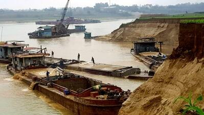 Phú Thọ: Xử phạt cá nhân khai thác lậu cát sông Hồng 180 triệu là nhiều hay ít?