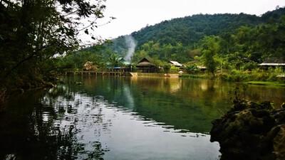 Du khảo Pù Luông, miền đất thiêng của Chúa Chổm (Kỳ I): Kỳ lạ suối Nủa mỗi năm 3 lần cá nổi