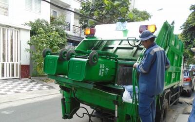 Hà Nội: Lượng rác thải giảm 23% trong thời gian giãn cách xã hội