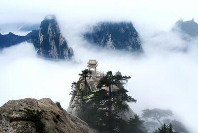 Chiêm ngưỡng kiến trúc kinh điển và kỳ vĩ trên 5 đỉnh núi thiêng mà người Phương Đông quen tên