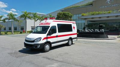 THACO trao tặng TP.Hà Nội 300.000 kit test nhanh kháng nguyên SARS-CoV-2 và 30 xe cứu thương