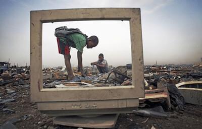 Mỗi năm, thế giới tăng thêm 2 triệu tấn rác thải điện tử