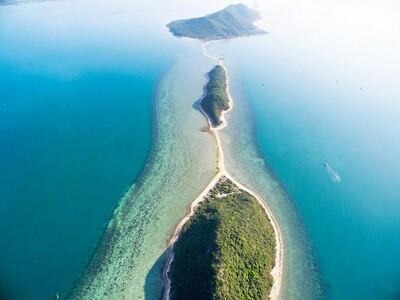 Con đường mòn xuyên biển 'độc nhất vô nhị' trên đảo Điệp Sơn