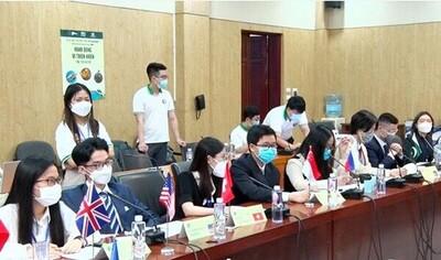 Nâng cao ý thức bảo vệ môi trường về rác thải điện tử cho học sinh, sinh viên