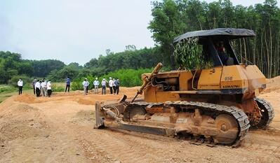 Sớm hoàn thành các khu tái định cư bị ảnh hưởng Dự án cao tốc Cam Lộ - La Sơn