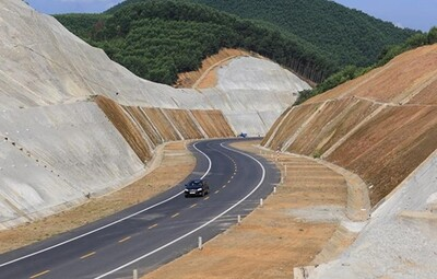Hơn 120 bộ hồ sơ cao tốc Bắc - Nam được bán ra