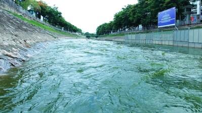 Hà Nội làm rõ việc xả nước hồ Tây vào sông Tô Lịch