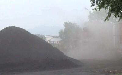"""Hải Dương: Hàng trăm hộ dân khốn khổ vì bãi than hoạt động """"chui"""""""