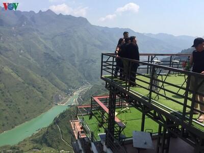 """Chủ Mã Pì Lèng Panorama: """"Không có giấy phép thì bây giờ hoàn thiện"""""""
