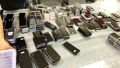 Bắt lô hàng điện thoại nhập lậu số lượng lớn từ Hàn Quốc vào Việt Nam
