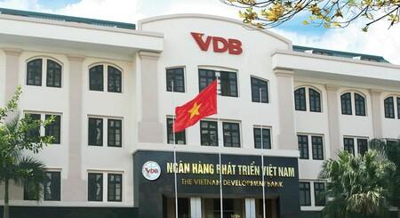Luật sư nói gì về vụ cựu nhân viên ngân hàng VDB bị bắt liên quan đến vụ vỡ nợ hơn 173 tỉ đồng?